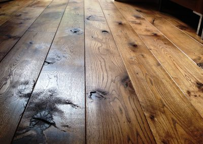 004_f_floor_boards_rustic_solid_natural_hardwood_bespoke_prefinished_heritage_traditional_open_knots_reclaimed_flooring_Reigate