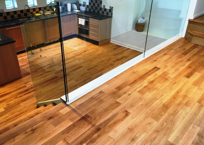 004_r_sanded_sealed_oak_wood_flooring_boards_varnished_traditional_Surrey
