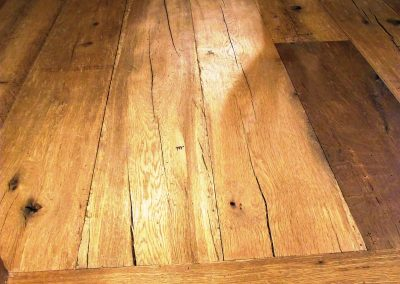 014_f_floor_boards_rustic_natural_hardwood_bespoke_heritage_traditional_open_knots_country_style_reclaimed_flooring_Reigate