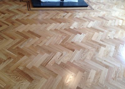 023_h_herringbone_blocks_parquet_flooring_double_frame_primegrade_tramline_natural_oiled_Surrey
