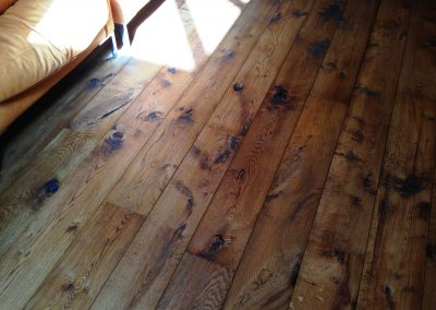 026_floor_boards_rustic_wood_flooring_open_knots_traditional_country_style_oiled_sanded_sealed_Reigate