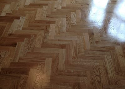 026_h_herringbone_blocks_parquet_wood_flooring_double_frame_primegrade_tramline_natural_solid_Surrey