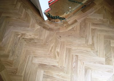 030_h_herringbone_blocks_parquet_flooring_double_frame_primegrade_scandinavian_natural_sanded_wash_Surrey