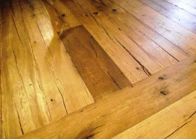 033_f_floor_boards_rustic_natural_hardwood_bespoke_heritage_traditional_open_knots_country_style_reclaimed_flooring_Reigate