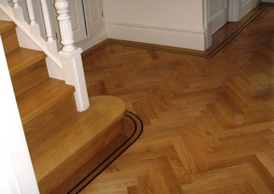 035_h_primegrade_herringbone_parquet_natural_wood_varnished_tramline_classic_traditional_bespoke_hardwood_solid_Surrey