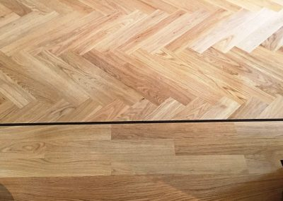 040_h_herringbone_blocks_parquet_flooring_primegrade_varnished_natural_sanded_sealed_single_dark_strip_Surrey