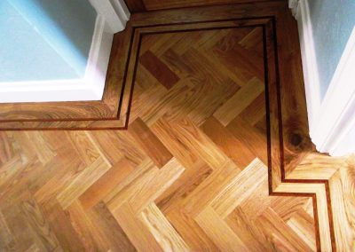 040_oak_herringbone_parquet_natural_wood_tramline_classic_traditional_bespoke_sanded_hardwood_Surrey