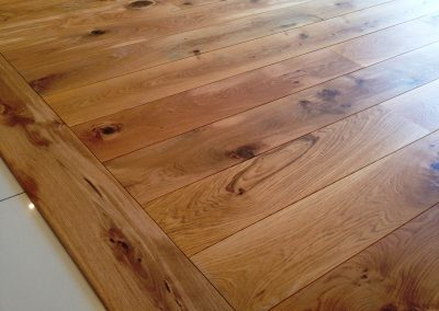 044_solid_rustic_floor_boards_traditional_bespoke_oak_wood_flooring_Reigate