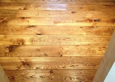 048_f_oak_floor_boards_rustic_solid_natural_hardwood_bespoke_prefinished_heritage_traditional_flooring_Reigate