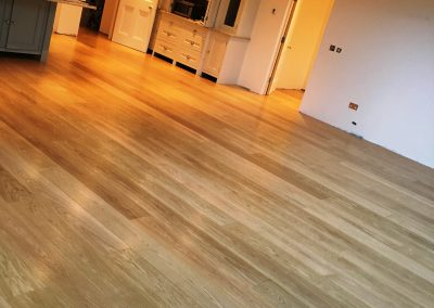 053_f_floor_boards_varnished_engineered_natural_traditional_hardwood_bespoke_heritage_Surrey