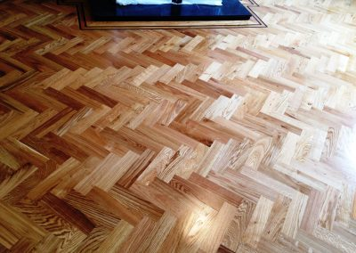064_herringbone_blocks_parquet_varnished_wood_traditional_flooring_sanded_sealed_Surrey