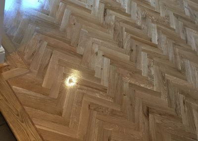 067_distressed_oiled_sanded_sealed_traditional_single_dark_strip_herringbone_parquet_wood_flooring