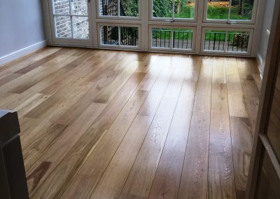 076_engineered_sanded_sealed_natural_traditional_floor_boards_oak_wood_flooring_Surrey