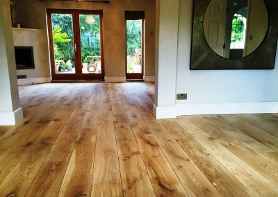 077_floor_boards_rustic_oiled_solid_natural_hardwood_bespoke_prefinished_heritage_traditional_character_flooring_Reigate