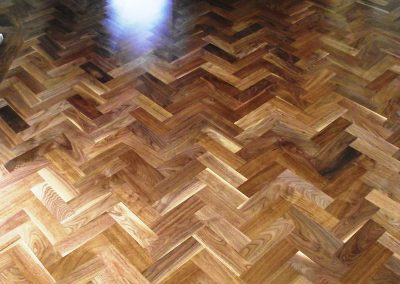 078_walnut_primegrade_herringbone_blocks_parquet_varnished_wood_traditional_flooring_sanded_Surrey