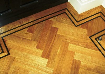081_primegrade_herringbone_parquet_natural_wood_varnished_tramline_classic_traditional_bespoke_hardwood_Surrey