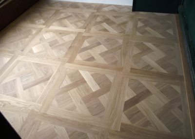 014_versailles_panels_installation_process_solid_natural_bespoke_wood_flooring_Surrey