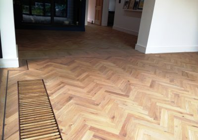 002_herringbone_blocks_parquet_frame_installation_process_destressed_solid_oak_wood_flooring_Surrey.jpg