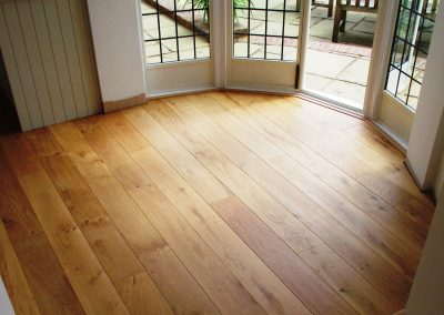 004_engineered_primegrade_floor_boards_curved_steps_oak_wood_flooring_Surrey.jpg