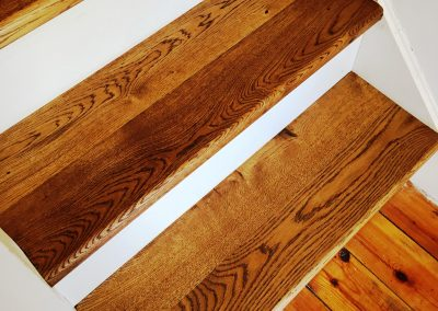 004_steps_staircase_handcrafted_bull_noses_oak_solid_stained_wood_flooring_floor_boards_natural_bespoke_Surrey.jpg
