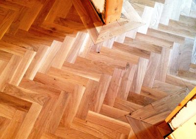 010_herringbone_blocks_parquet_frame_natural_sanded_sealed_wood_flooring_Surrey.jpg