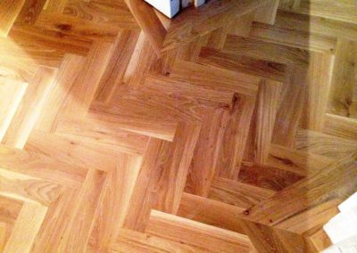 011_herringbone_blocks_parquet_frame_classic_solid_oak_traditional_oiled_natural_wood_flooring_Surrey.jpg